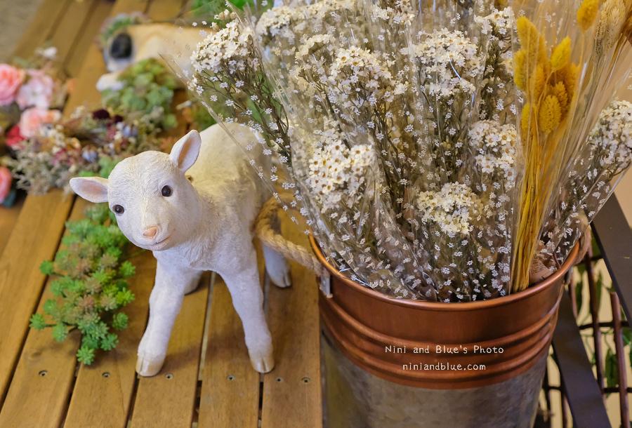 1504621108 f5e6e2a6fdfdf33280dd7c66ceebf617 - 日式小院子中的動物森林、多肉、玫瑰咖啡,小毛日子雜貨咖啡